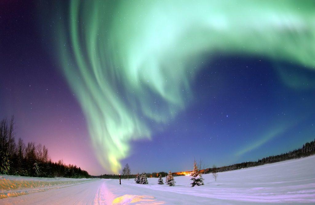 Tormentas Magnéticas y Auroras Boreales.